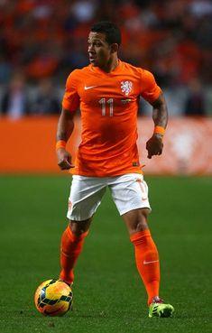 f64a9fae88c Dutch World Cup 2014 kit - Memphis Depay