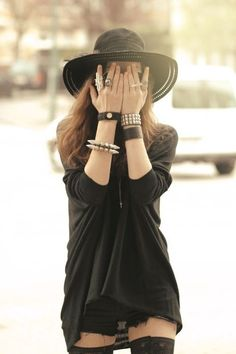 Rock Fashion Outfit with Leather Bracelet - http://ninjacosmico.com/18-must-have-grunge-accessories-clothing/17/