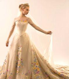 Wedding dress in Cinderella movie 2015
