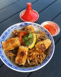 PAD THAI poulet  Trop d'Amour  ________________ #asianFood #thaifood #faitmaison #homeMade #restaurant #cityguide #food #blogfood #gastronomy #gastronomie #cityTrip #foodlover #foodblogger #food #frenchBlogger #blogueuse #blog #blogueusedusud #pintademontpellier #montpellier