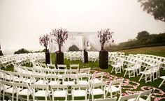 Try nontraditional seating    Draw inspiration from Shakespeare's theater in the round and seat guests in a circle around the altar. Everyone will have a great seat, and you'll feel surrounded by love.