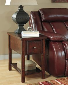 Ashley Hindell Park T645-7 Signature Design Chair Side End Table -