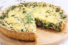 Discover recipes, home ideas, style inspiration and other ideas to try. Quiches, Good Healthy Recipes, Vegetarian Recipes, Cooking Recipes, Spinach Recipes, Bacon, Brunch, Food And Drink, Easy