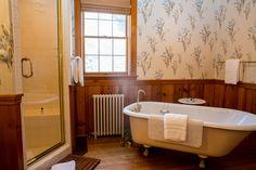 Deluxe Waterfront Suite Bathroom at Sandaway