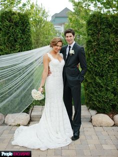 ginger zee wedding dress-front. In love with it.