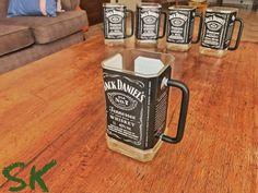 Whiskey Bottle Crafts, Alcohol Bottle Crafts, Glass Bottle Crafts, Alcohol Bottles, Diy Bottle, Liquor Bottles, Bottle Art, Glass Bottles, Diy Home Bar