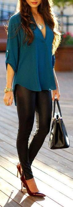 Blue top + black wet look legging + burgundy heel Fashion Mode, Look Fashion, Autumn Fashion, Womens Fashion, Fashion Trends, Fashion 2015, Fashion Black, Fashion Shoes, Trendy Fashion