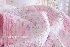 TWIN POTTERY PINK COTTAGE RUFFLES BEACH ROSES PERIWINKLE BLUE QUILT & SHAM
