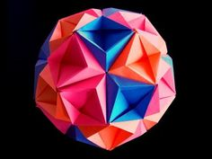 Video Tutorial: How to make an Origami Kusudama http://www.youtube.com/watch?v=vxQbBPdpquY