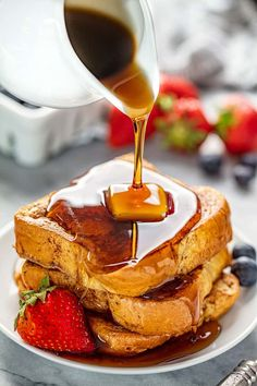 Get ready for the Best French Toast Ever! This French Toast is easy to make, totally delicious and it's freezable too so you can enjoy French Toast even on the busiest of mornings! Breakfast Dishes, Breakfast Recipes, Breakfast Casserole, Stay At Home Chef, Best French Toast, Cooking Recipes, Milk Recipes, Bread Recipes, Cooking Tips