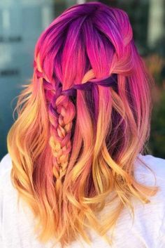 24 Prom Hair Styles To Look Amazing Look through our photo gallery that features the most gorgeous and trendiest prom hair styles. All your girlfriends will envy you! Flame Hair, Pelo Multicolor, Pulp Riot Hair Color, Natural Hair Styles, Short Hair Styles, Dyed Hair Pastel, Corte Y Color, Bright Hair, Colorful Hair