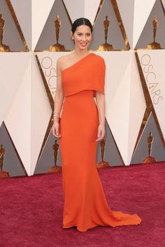 Oscars 2016 Olivia Munn, de Stella McCartney