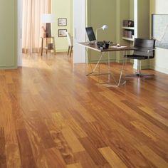 Durabilidade, requinte e elegância são características presentes no piso de madeira. Para que você possa deixar o seu espaço ainda mais bonito e confortável, confira a linha especial que temos disponível lá no site. Confira!