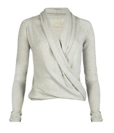 Want this gorgeous knit too. Perfect to throw on with jeans.