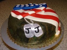 's Military Cake I made this for a friend who left for war this year. It's a camoflage fondant covered vanilla cake, an. Military Cake, Thank You Pictures, Wedding Pictures, Wedding Ideas, Sugar Rush, Vanilla Cake, Picture Ideas, Wedding Engagement, Fondant
