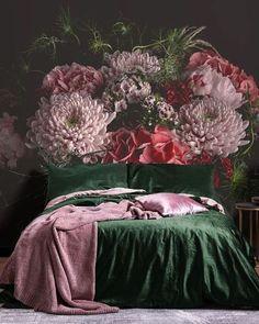 Floral Bedroom Decor, Bedroom Inspo, Home Bedroom, Bedroom Flowers, Bedroom Ideas, Elle Decor, Interior Inspiration, Monday Inspiration, House Design