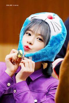 an yujin pics (@ahnyujinpics) / Twitter Eyes On Me, Japanese Girl Group, Kpop Girls, Cool Kids, Winter Hats, Shit Happens, Cool Stuff, Twitter, Angel