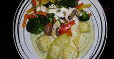 Liebevolles Gemüseallerlei in Kräutersoße mit Kartoffeln