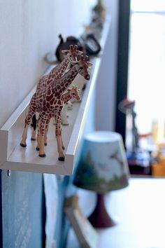 ein Regal für Figuren + 1 für Küche + Kaufmannsladen und dazu Regal, das als Puppenhaus, Küche und Laden genutzt werden kann// + Regal für Autos...