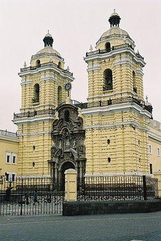 Lima - Peru  - Iglesia y Convento de San Francisco - amazing church with old catacombs