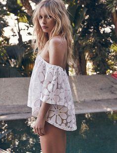 L'encolure Bardot, le détail phare de l'été (top BB Dakota)