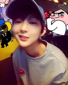 [EXID] Hyerin looking 'handsome' here