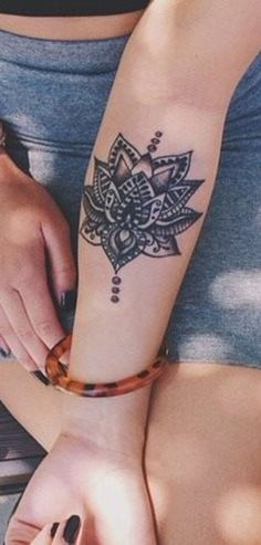 Black Lotus Chandelier Forearm Tattoo Ideas for Women - Tribal Boho Arm Sleeve Tat - ideas del tatuaje del antebrazo de la lámpara de loto - www.MyBodiArt.com