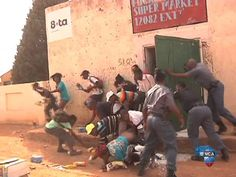 Shocking footage of shop looting in South Africa