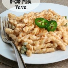 Jalapeno Popper Pasta from Alida's Kitchen - good and fairly easy to make! I used penne pasta and no onion Pasta Recipes, Dinner Recipes, Cooking Recipes, Dinner Ideas, Vegetarian Recipes, Recipe Pasta, Cookbook Recipes, Rice Recipes, Recipe Box