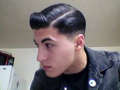 Tailored haircut slicked and parted Hot Haircuts, Very Short Haircuts, Cute Hairstyles For Short Hair, Short Hair Styles, Look Man, Slicked Back Hair, Mens Hair Trends, Classic Hairstyles, Rockabilly