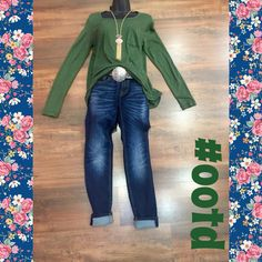 Today's #ootd is perfect for the upcoming fall!! Come in and check out our HUGE LABOR DAY SALE at Moda me boutique!!!
