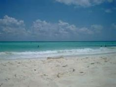 Beach at Playa del Carmen, Mexico – Best Places In The World To Retire – Sorry to disappoint you but the best beaches around Corozal are in Mexico.   In front of the whole coastline of Belize, we have an incredible barrier reef. Unfortunately, this same reef prevents the continuous pounding wave action that makes beaches.
