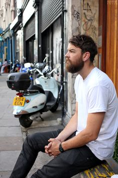 New Fashion Street London Hair Ideas Hipster Girls, Vintage Hipster, Short Beard, Boys Life, Business Chic, Winter Fashion Boots, Charming Man, Awesome Beards, Sharp Dressed Man