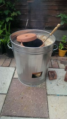 """Build Your Own Tandoori Oven Homesteading - The Homestead Survival .Com """"Please Share This Pin"""" Grill Outdoor, Outdoor Cooking, Outdoor Kitchens, Outdoor Cooler, Survival Food, Homestead Survival, Survival Shelter, Survival Tips, Outdoor Projects"""