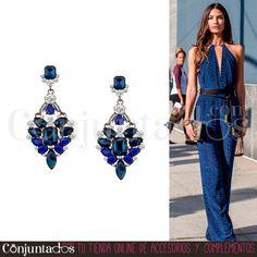 Estos preciosos #pendientes en colores fácilmente combinables, como el negro y el azul klein, son un #accesorio elegante que convertirá tu #look en un #outfit de fiesta con el mínimo esfuerzo. Todo un acierto para mujeres sofisticadas ★ ¡#REBAJAS! en http://www.conjuntados.com/es/pendientes-con-piedras-negras-y-azul-klein.html ★ #novedades #earrings #joyitas #jewelry #bisutería #bijoux #complementos #sales #discounts #moda #fashion #estilo #style #GustosParaTodas #ParaTodosLosGustos