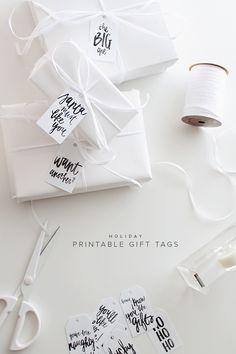 Etiquetas de Navidad // holiday printable gift tags | almost makes perfect