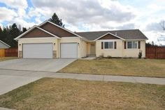 PRIDE OF OWNERSHIP in Post Falls! Features 2,900 sqft of finished living space. 6bd/3ba, fully-fenced corner lot on .28 acres. Built in 2012. A/C, great central location and easy freeway access to CDA & Spokane.