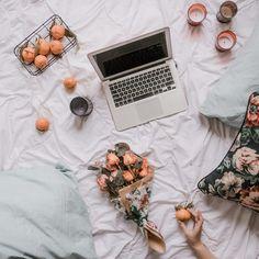 Jak zacząć zarabiać na Instagramie w 2020 + wyniki ankiety - Blog Wild Rocks   Instagram   Hashtagi na Insta   Spójność How To Wake Up Early, Home Photo, Iphone, The Creator, About Me Blog, Instagram, Inspiration, Social Media, Smokey Eye