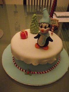 Penguin xmas  Cake by Sugarcha