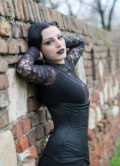 Beautiful Gothic woman ☠☠✯✯666✯✯☠☠