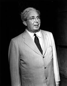 Leo Szilárd, Hungarian-born German and American physicist and inventor. He conceived the nuclear chain reaction in Doctor A-bomb. Leo, Hiroshima, Bbc News, Robert Oppenheimer, Enrico Fermi, First Atomic Bomb, Manhattan Project, Nuclear Reactor, Nuclear Energy