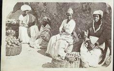 Acervo contém fotos e ilustrações que mostram cenas do cotidiano e personagens comuns do país entre os séculos 19 e 20