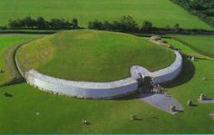 NewGrange passage tomb,3200BC, 600 years older than the Pyramids  and 1,000 years more ancient than Stonehenge.