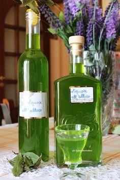 Liquors e all'alloro Limoncello, Homemade Liquor, Tea Cocktails, Wine And Liquor, Healthy Drinks, Alcoholic Drinks, Food, Biscotti, Salvia