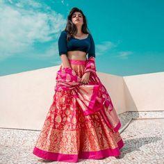 Want to look traditional but classy? Find latest Banarasi Lehenga Designs for weddings. Best Banarasi Lehengas of 2020 you cannot afford to miss. Banarasi Lehenga, Lehenga Skirt, Lehnga Dress, Lehenga Saree, Sabyasachi, Silk Sarees, Pakistani Bridal Lehenga, Indian Lehenga, Bengali Saree