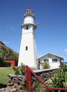 quenalbertini: Diamond Head lighthouse in Honolulu, Hawaii Hawaii Honeymoon, Hawaii Vacation, Hawaii Travel, Lighthouse Lighting, Lighthouse Photos, Beautiful Islands, Beautiful Places, Beacon Of Light, Light Of The World