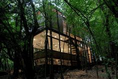 A home surrounded by nature - The Apolo 11 House by Parra + Edwards Arquitectos is located in Santiago, Chile. House In The Woods, My House, Colonial, Eco Architecture, Beautiful Forest, Beautiful Space, Forest House, Woodland House, Story House