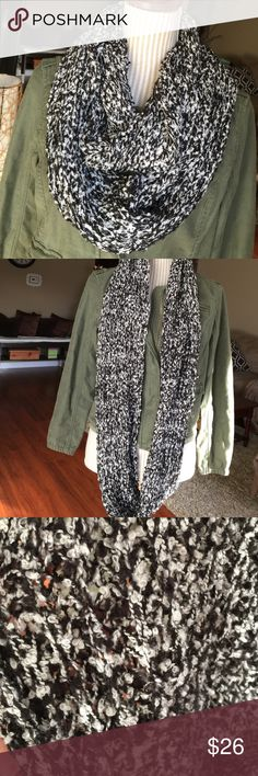 🆕NWOT Super Soft Open Knit Scarf NWOT Feels like chenille which is so soft. Stretchy and open weave but woven close together. Accessories Scarves & Wraps