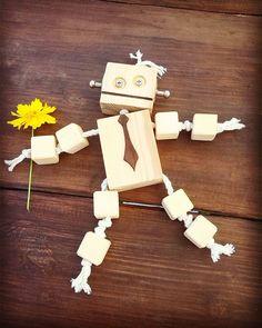 13 отметок «Нравится», 1 комментариев — Anna B. Минск (@bondanna_smile) в Instagram: «Вот таких классных роботиков делает на заказ мой дорогой муж @vintavt_of_wood . :-) Пишите, сделает…»