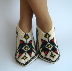 Cutest slippers.   Such gorgeous natural fibers....